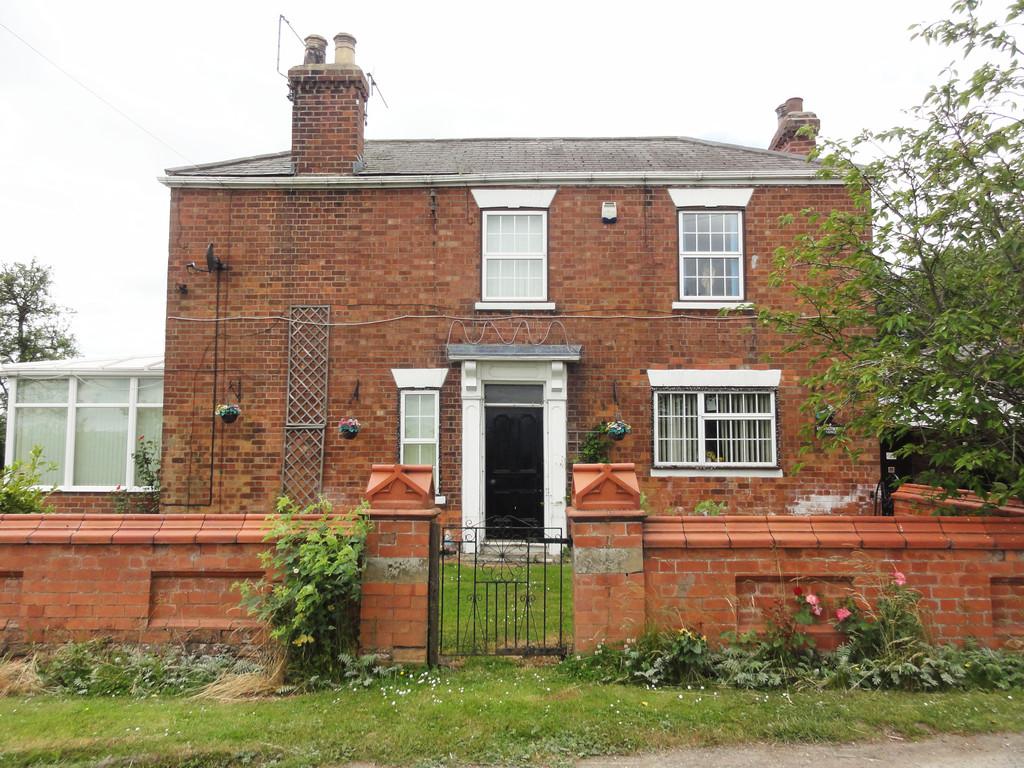 Staddlethorpe Broad Lane, Gilberdyke, Farm House